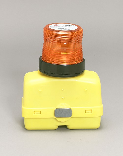 North American Signal Non-Rechargeable  Battery Power Barricade Strobe Beacon With Magnet-BAR300M